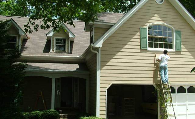 4 Ways To Get Your Homes Exterior Ready For Spring