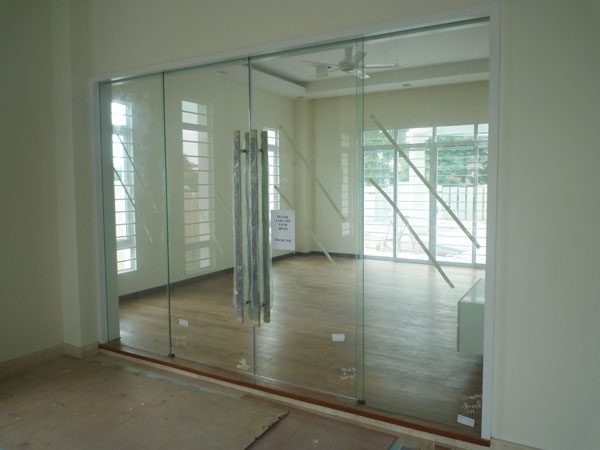 DIY: Glass Doors
