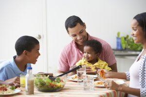 5 Benefits Of Eating At Home