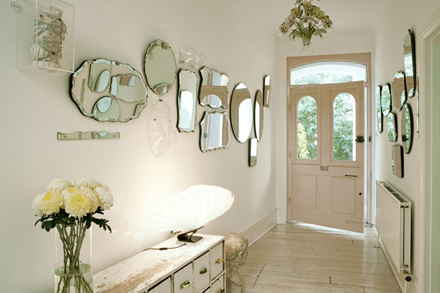 A Guide To Decorating Your Home With Mirrors