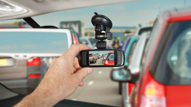 Why Car Insurance Consumers Should Install Dash Cams