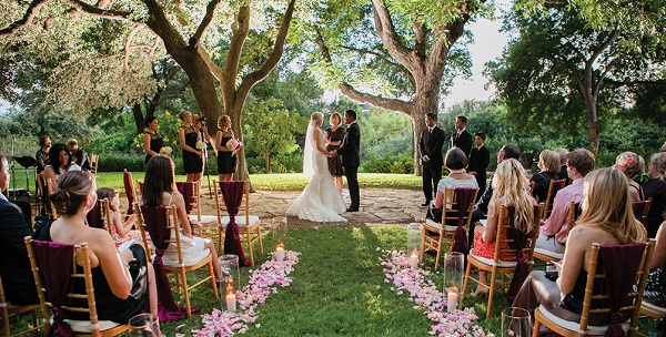 5 Reasons To Consider An Outdoor Wedding This Summer