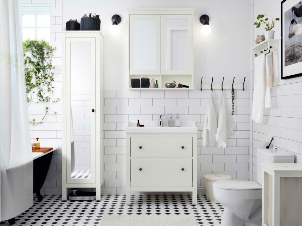 3 Ways To Spruce Up Your Ordinary Bathroom