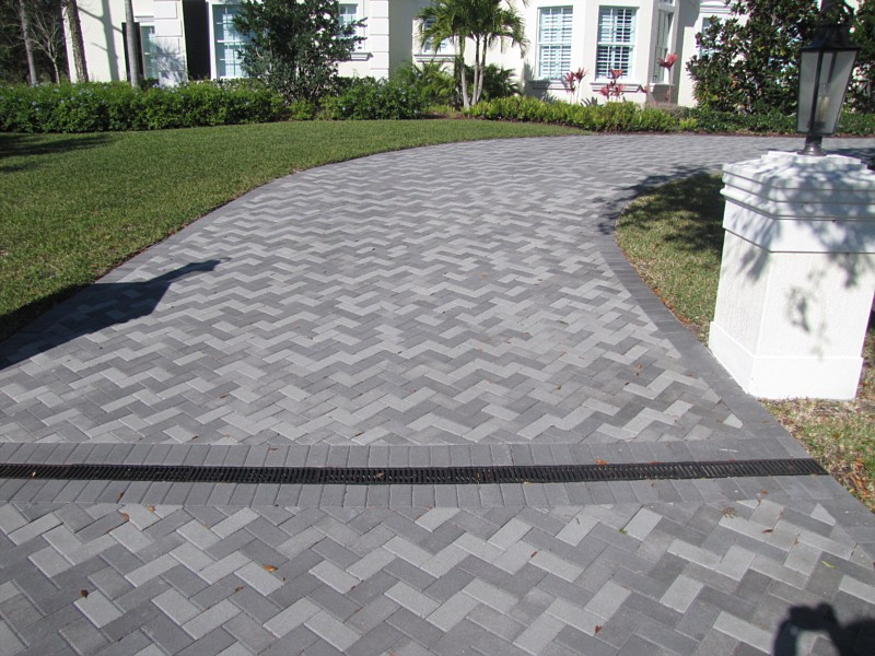 Driveways Kingston: Having Hefty Driveway Holds The Priority To Change A Look Of Your House