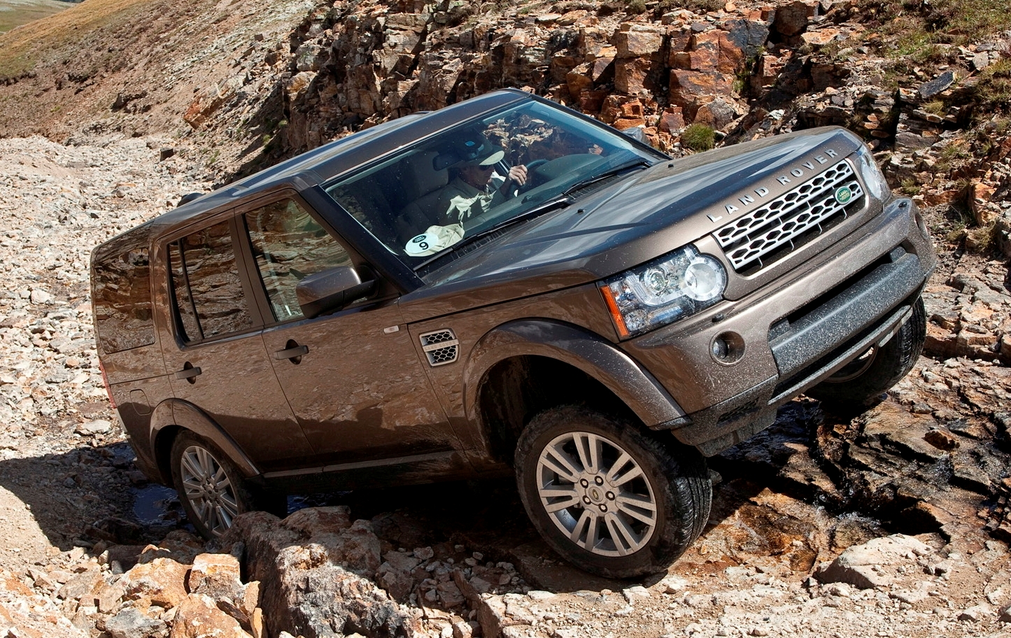 How To Find The Land Rover Spare Parts Shop Via Online
