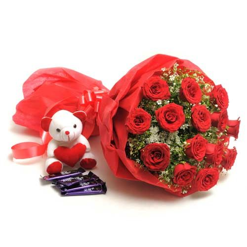 Making The Valentine Special With Roses and Gifts
