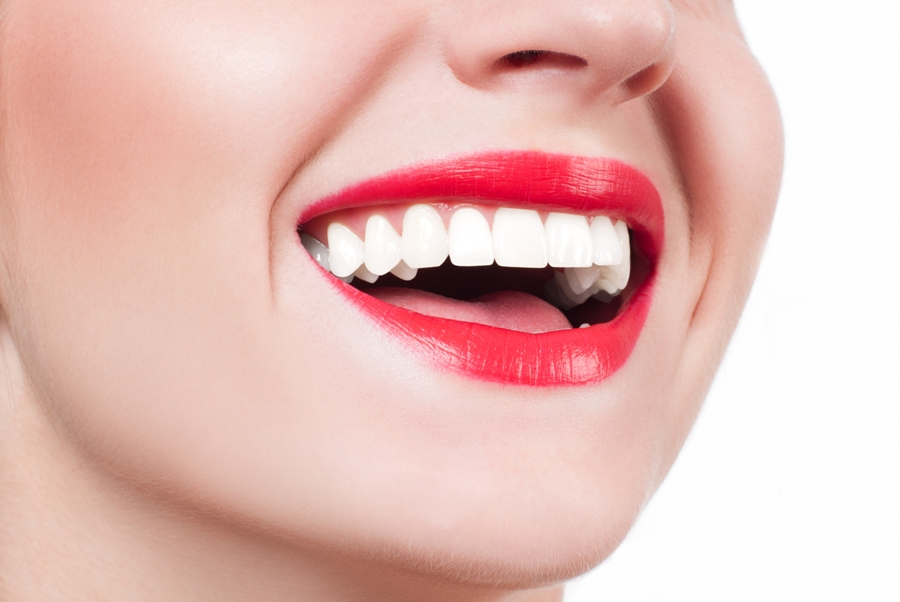 Surprisingly Effective Natural Tips To Whiten Your Teeth
