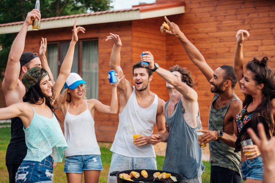 6 Apps To Throw Your Dream House Party