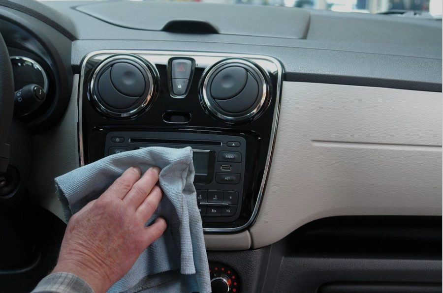 4 Accessories To Help Protect and Maintain The Cleanliness Of Your Car